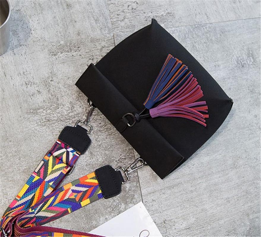 Bolsas das mulheres explosivas Designer de luxo com franjas Folding recreio Único Shoulder Bag Fashion Girl Bag Atacado inclinado gratuito Shipping11