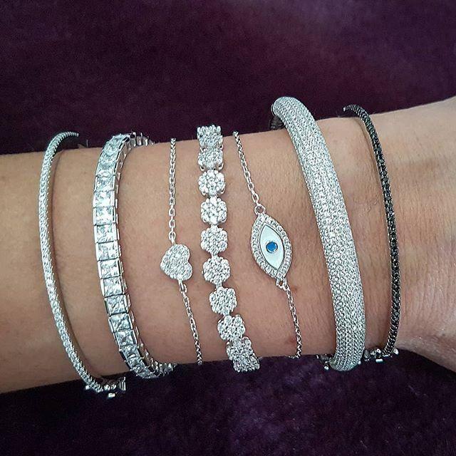 New Arrival Hot Sale Luxury Jewelry 925 Sterling Silver Pave White Sapphire CZ Diamond Gemstones Women Charm Wedding Bridal Bangle Bracelet