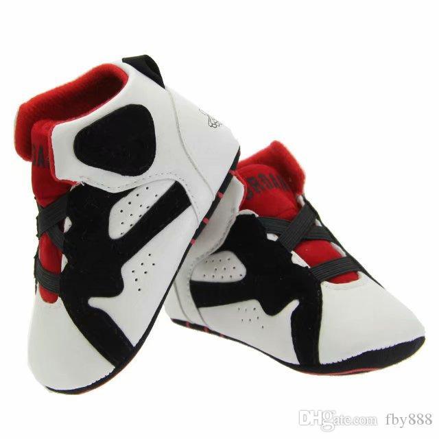 Zapatos de bebé de la cuna de zapatillas de cuero infantil primeros caminante botas de los niños Niños zapatillas suaves de las zapatillas de deporte de invierno bebe caliente envío de la gota