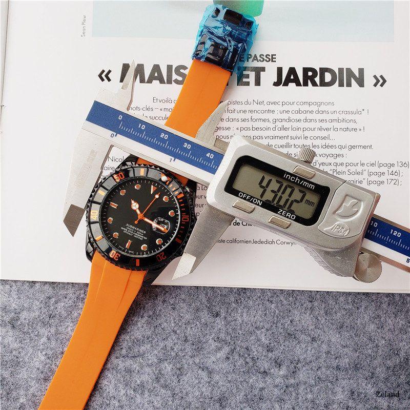 Bestsell delle donne di modo degli uomini della vigilanza del cronografo del quarzo della vigilanza dell'uomo Sport orologi di lusso Data superiore di disegno casuale stile gomma orologio Nizza lu