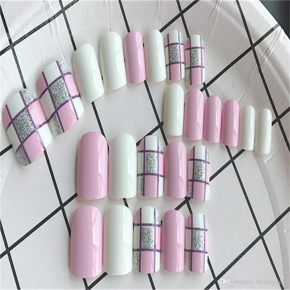 Unhas falsas de estilo curto rosa e branco podem ser coladas com cola no escritório diário e locais públicos