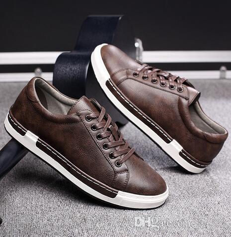 2018 zapatos ocasionales de los hombres de la vendimia manera hecha a mano zapatos marrones lujo de la marca masculino de los zapatos del ocio de los hombres del cuero genuino