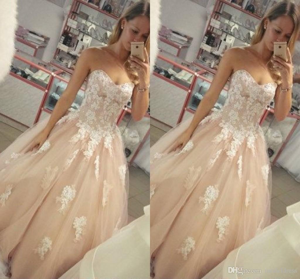 Recién llegado Vestidos de novia encantadores Sin tirantes Barrer Tren País Iglesia Vestidos de novia preciosos Castillo Capilla Barato Vestidoe De Noiva Personalizado