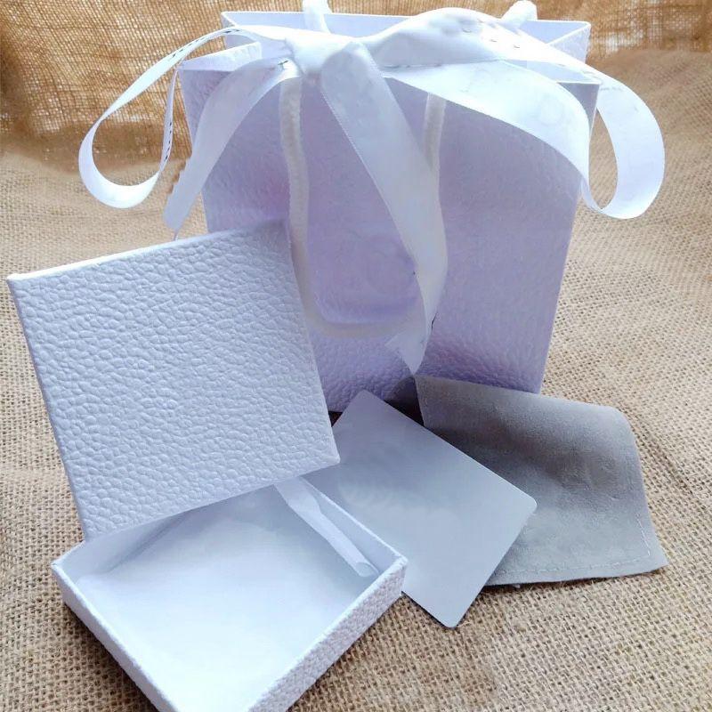 Nuovi set di gioielli di stile D Collana D-Bracciale Collana Bracciale Orecchini Anello Set Box Borsa Polvere Borsa regalo (Abbina le vendite degli articoli del negozio, non venduti individuali)