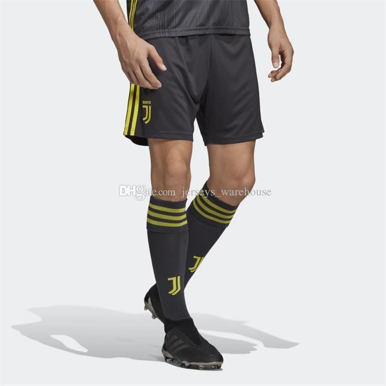 Acquista 2019 Pantaloncini Da Calcio Juventus Adidas KHEDIRA DYBALA MANDZUKIC CHIELLINI RONALDO Home Away 3 Portiere Pantaloni Da Calcio Top Quality A