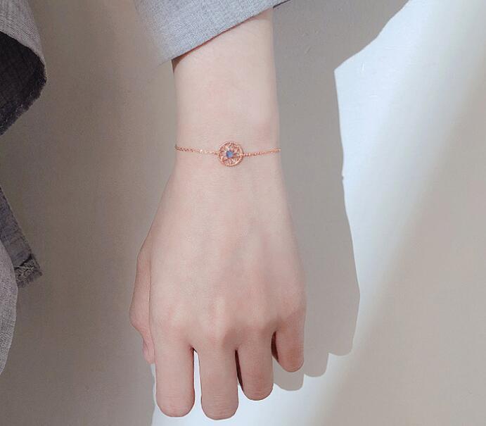 Pur et frais Bracelet plaqué or rose avec un design de souvenirs niche faits à la main