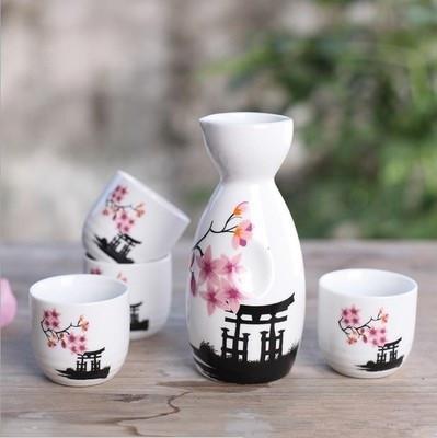 Japonais Sake Set peint à la main Temple Kiyomizu et fleurs de cerisier Coupes de bouteille de vin en céramique élégant Sake Drinkware Cadeaux orientaux EEA1094-1