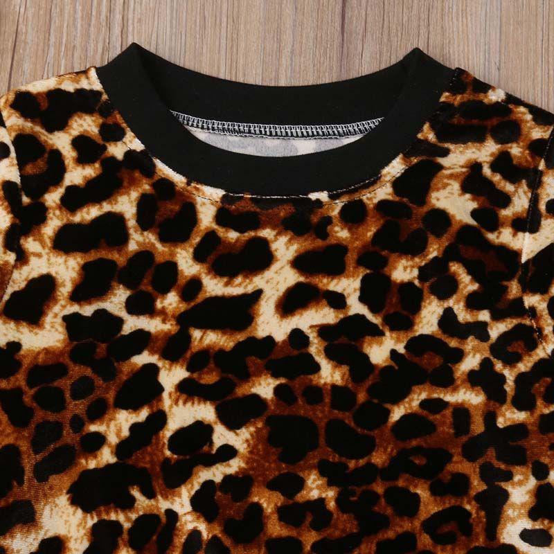 Moda 2PCS niño de los cabritos de los bebés del leopardo ropa 2019 Nueva Primavera Otoño de manga larga y camisetas Pantalones de algodón 2pcs sistema de la ropa