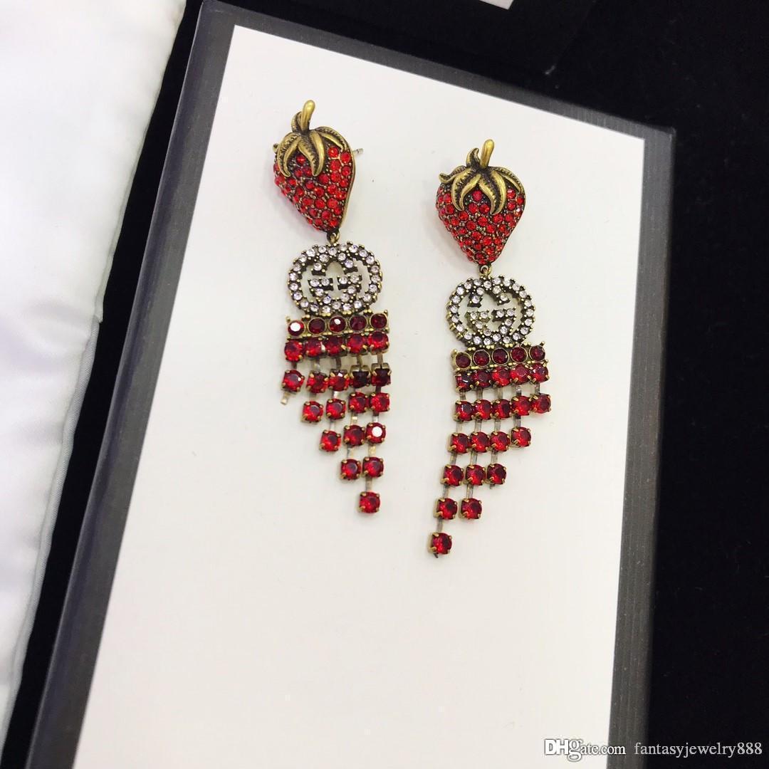 Moda europea e americana 2020 primavera e l'Estate Vendita Calda New Red Square diamante doppia lettera orecchini di lusso personalizzato importato in ottone PLA
