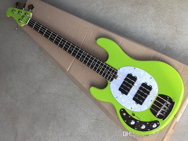 Akçaağaç klavye ile 4-string yeşil elektrik bas gitar, beyaz inci Pickguard, aktif manyetikler, krom donanım, teklif özelleştirilmiş