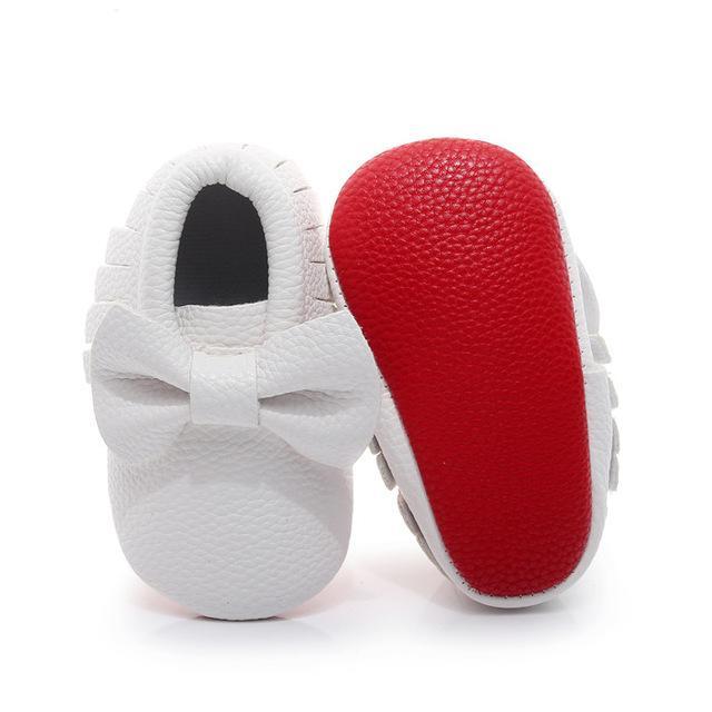 Babyschuhe erste Wanderer rot handgemachte weiche Unterseite neugeborene Baby-Mokassin Art und Weise PU-Leder Prewalkers Boot Knoten
