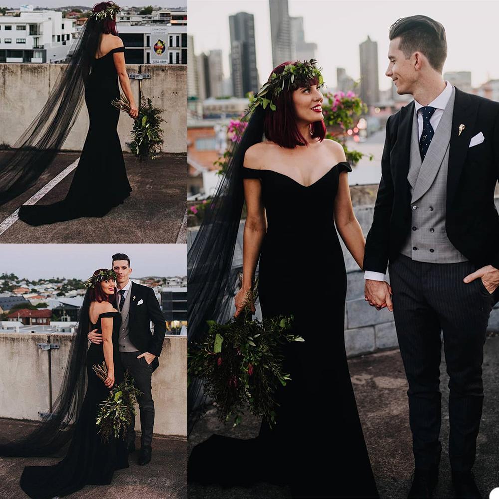 Satin noir sirène robes de mariée avec voile épaules dos nu Robes de mariée balayage train Pays Boho Robe de mariée Robes de Novia