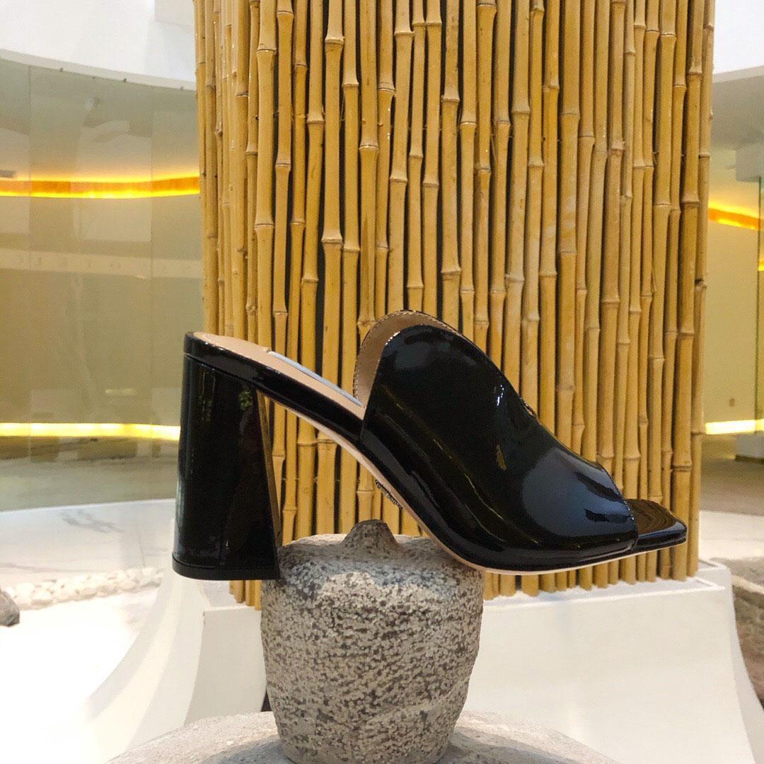 2020 nueva llegada deslizadores del verano de la alta calidad del cuero genuino de las mujeres Zapatos de deslizamiento forman en Chunky talón al aire libre desgastes