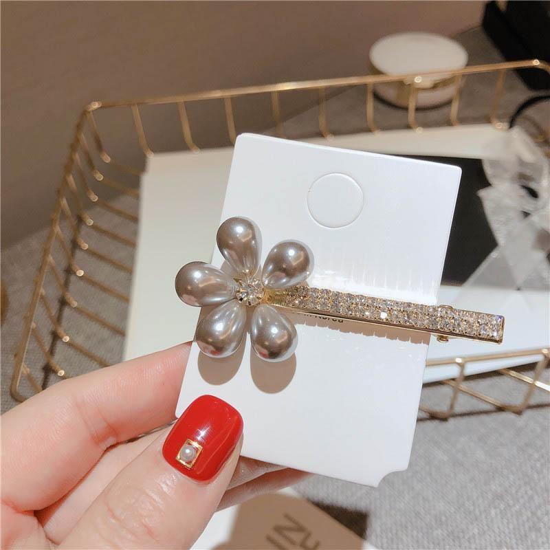 Ins El nuevo diseñador de las pinzas de las mujeres de diamantes de imitación de pelo de perlas de cristal pinzas para el cabello con encanto muchachas los accesorios adornos para el cabello para mujeres clip BB