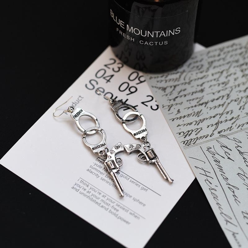 2019 Hot Handcuffs Guns Pistol Earrings Jewelry Punk Gothic Drop/Dangles Earring Women Bar Party Hip Hop Vintage Silver Accessories