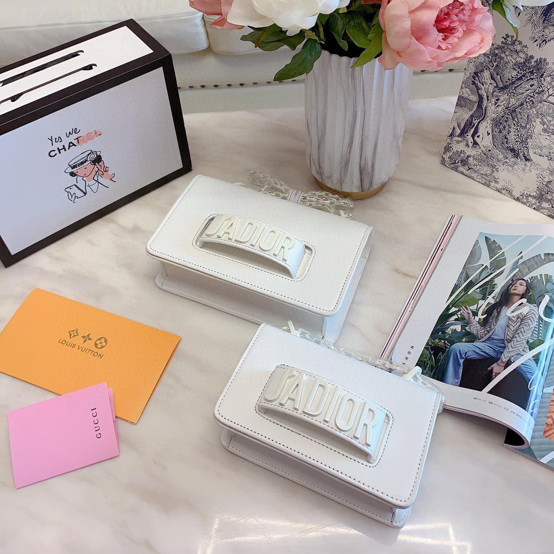 2020 Sıcak SellerLuxury Tasarımcı Lady Omuz Çantası Marka Kadınlar Tasarımcı Çanta ile Kayış Moda Tasarımcısı Crossbody Çanta D01 20030901W