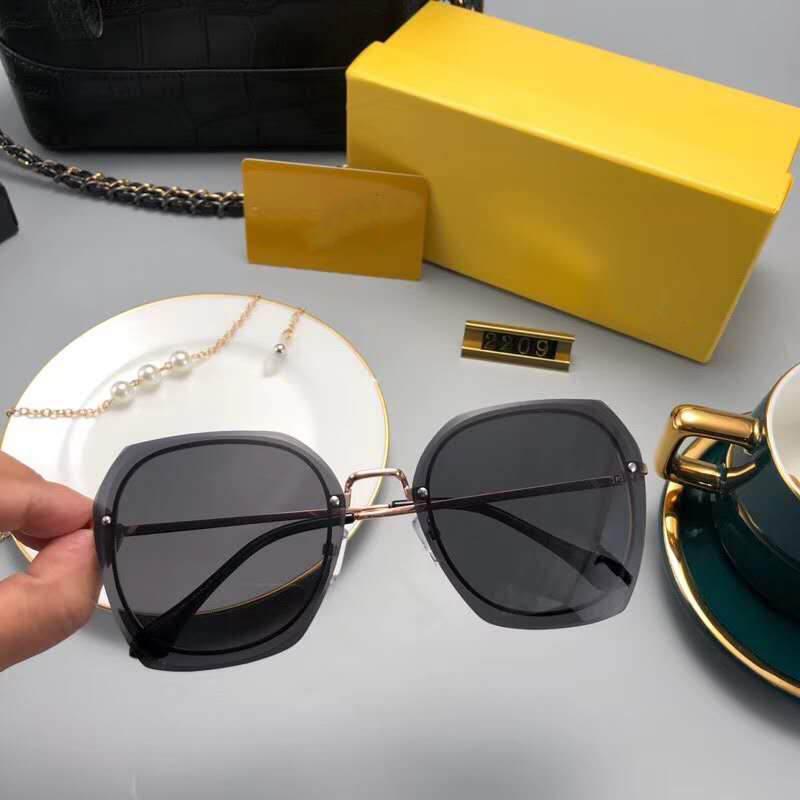 مصمم إمرأة نظارات شمس صيف إمرأة نظارات شمس UV400 PJ2209 خمسة ألوان الخيارات ذات جودة عالية مع Box1