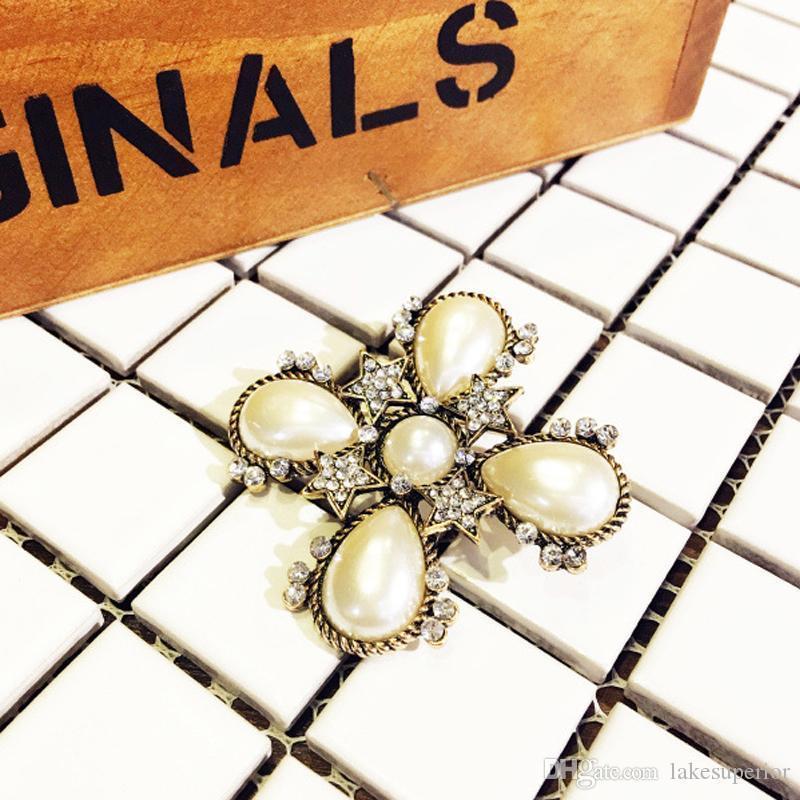 Hediye Parti Yüksek Kaliteli Takı için Kadınlar Vintage Çapraz Broş Pearl Rhinestone Retro Çapraz Broş Suit Yaka Pin