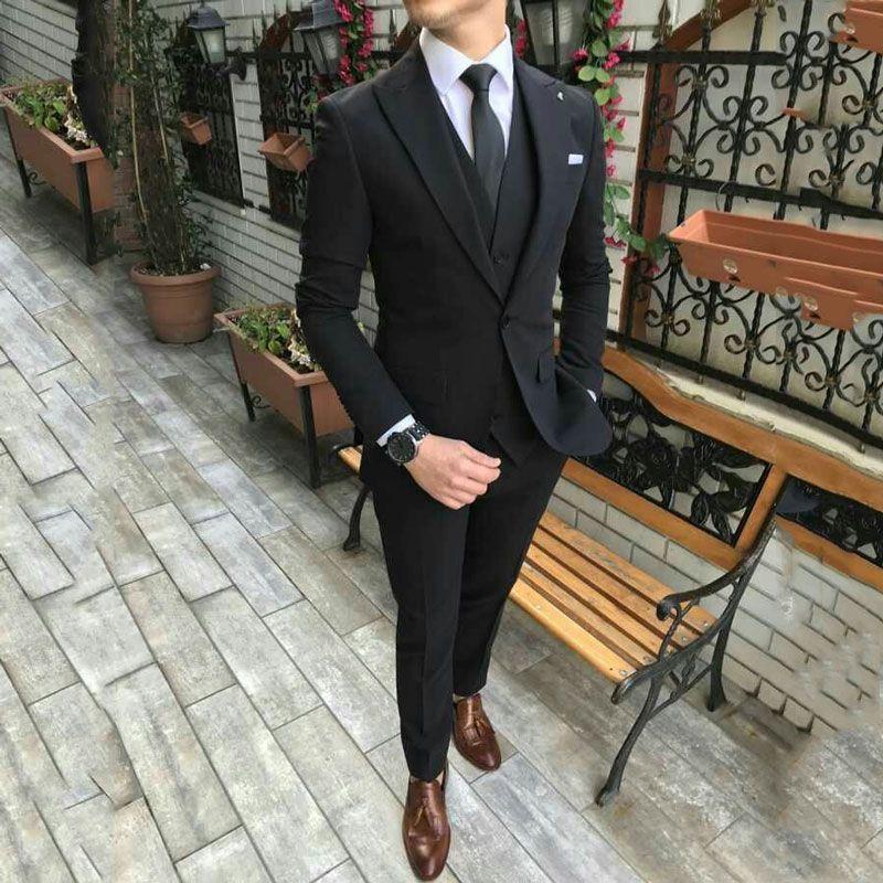 Nazik Erkek Klasik Düğün Suit Man Blazers Geniş Çatılı Yaka 3 Adet Coat Pantolon Yelek Kostüm Homme Balo Giyim Terno Masculino