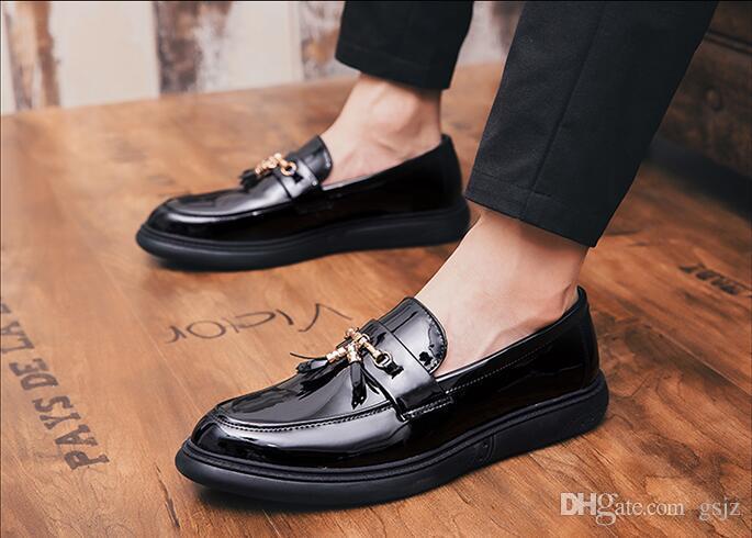 Scarpe da sposa in pelle verniciata nera classica di lusso Moda Mens Mocassini slip-on con nappe Frangia nappa Scarpe eleganti abito Z201