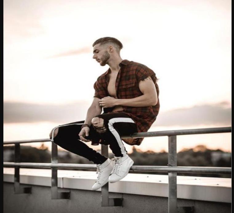Hombres Represen Diseñador Jeans Negro rayado blanco agujeros rasgado de la rodilla de la cremallera del motorista lápiz los pantalones vaqueros de Hiphop Calle Pantalones