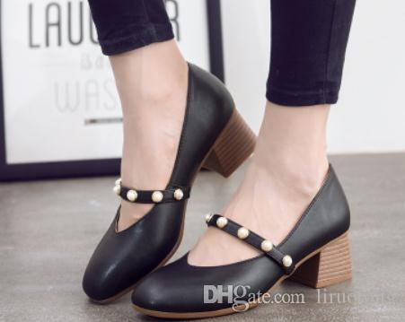 2018 Sapatos Femininos Pearl na Primavera e Outono com novo estilo Calcanhar médio Salto grosso Boca rasa Cabeça quadrada