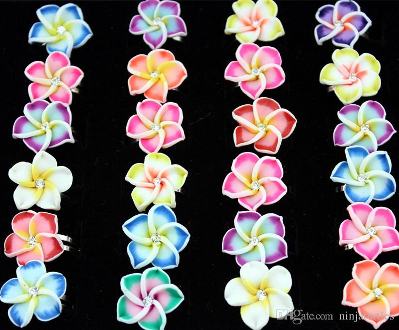 Il lotto all'ingrosso 50pcs cristallo dei monili delle donne Fimo Flower squilla gli anelli dell'argilla del polimero di cristallo regolabili il regalo del partito MR121