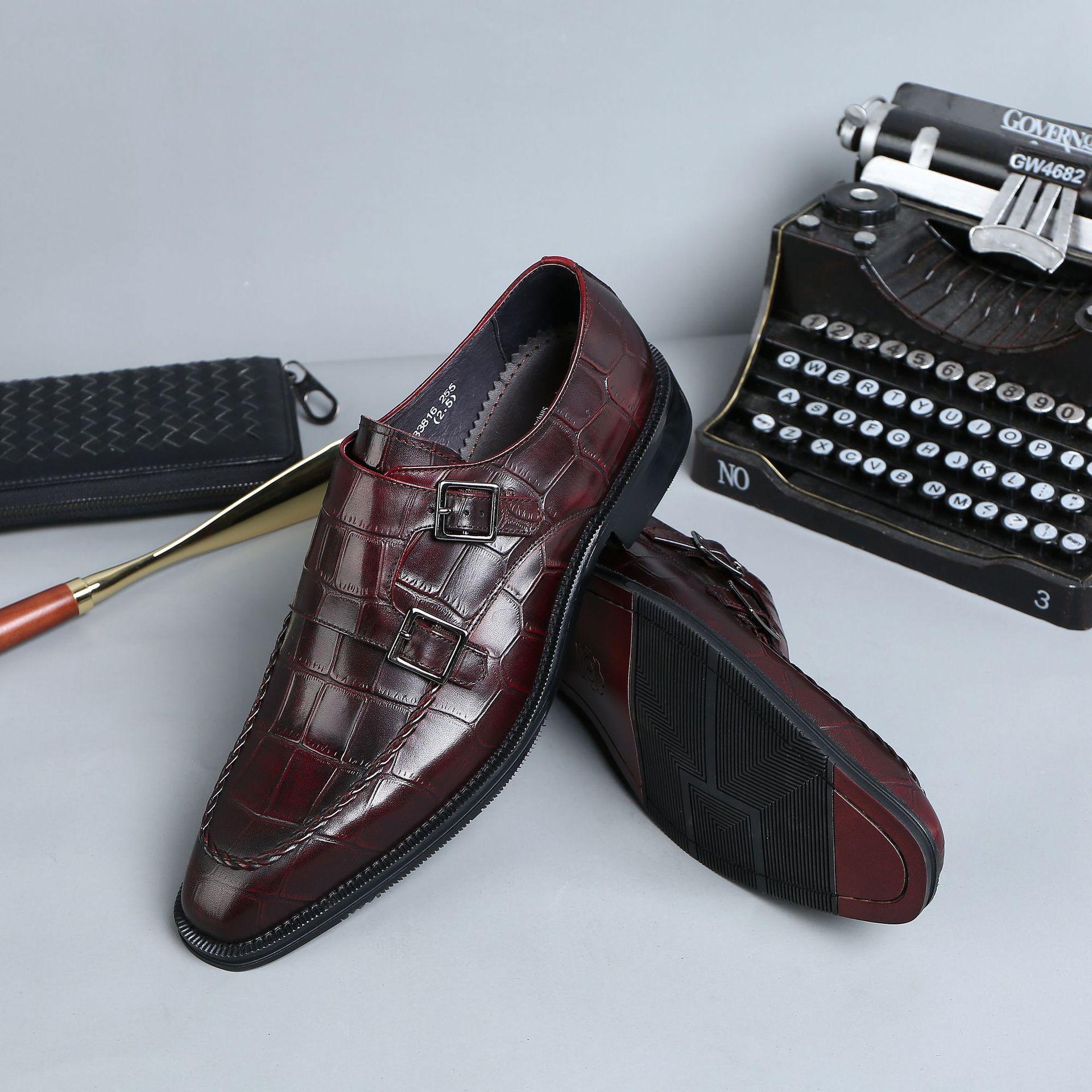 Scarpe in pelle da uomo d'affari abbigliamento formale scarpe in pelle da uomo con fibbia di nozze indossare scarpe pelle bovina