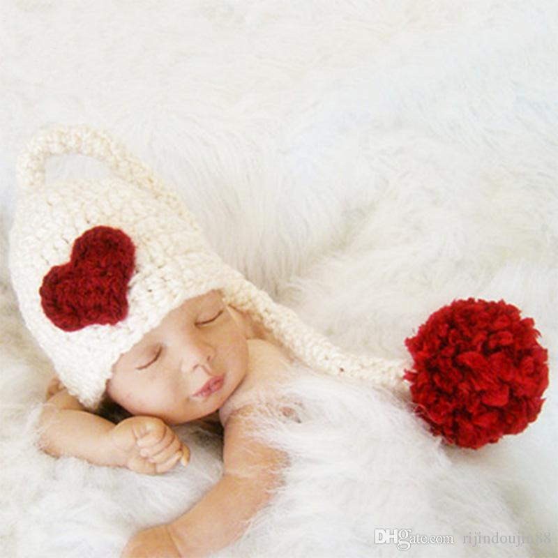 طفل التصوير الدعائم الطفل pompom قبعة حمراء القلب مع ذيل طويل اكسسوارات مولود جديد صور الرضع محبوك قبعة طفل صور الدعائم الفوتوغرافية