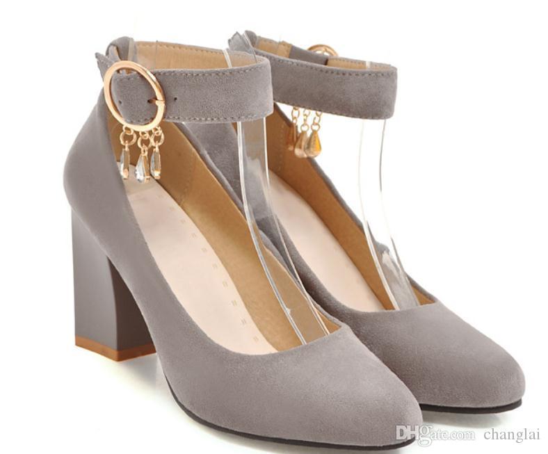 2019 Sapatos femininos de camurça na primavera e outono com novo estilo Sapato de salto alto Sapatos femininos de cabeça redonda na broca de água @ 18