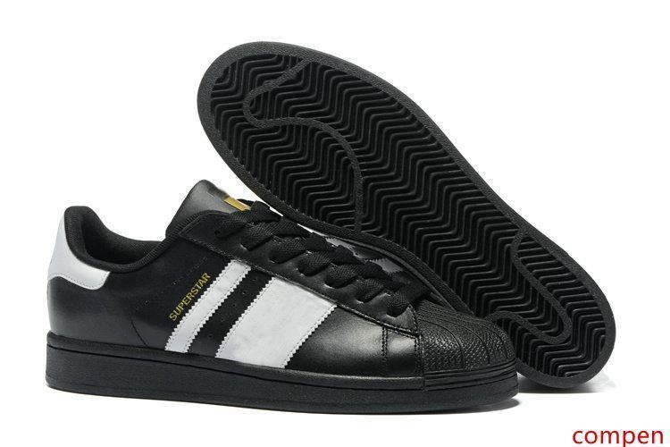 80 Renkler 2019 Toptan Superstar Beyaz Hologram yanardöner Genç Superstars Sneakers Süper Star Kadın Erkek Spor Ayakkabı EUR36-45 Koşu