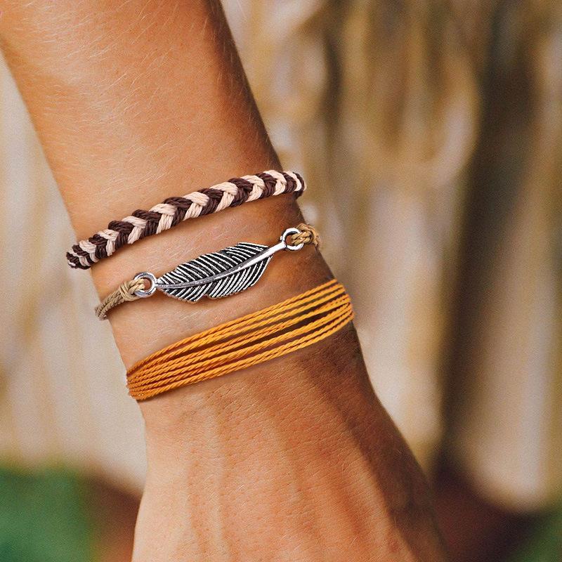 Set 3 pezzi Feather Charm a mano corda tessuto VSCO Ragazze Bracciale colorato Boho monili fortunati braccialetti registrabili per le ragazze le donne