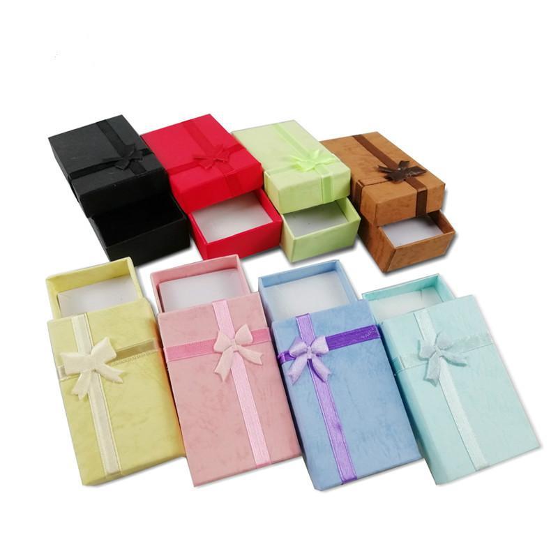Toptan 36 Adet / grup Moda Mix Renk Hediye Kutusu Takı Küpe Organizatör Saklama Kutuları Kolye Kağıt Yüzük Saklama Paketi Kutusu 8 * 5 * 2.5 cm