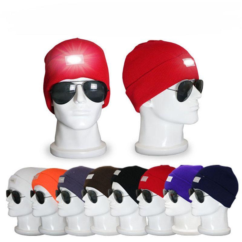 Светодиодное освещение Beanie Женщины Мужчины Кемпинги Вязаные шапки черепа Caps Путешествия Спорт Туризм взбираясь Night Hat Зимний Открытый Шляпы Light Up Теплый Cap
