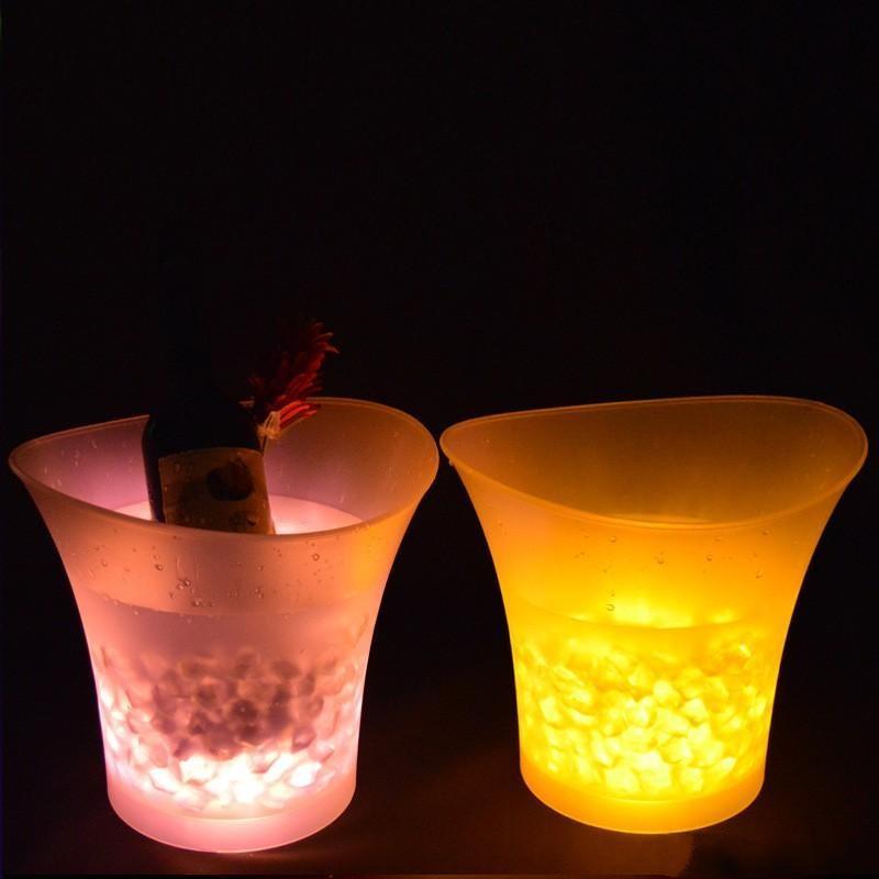 أدى دلو الثلج متعدد الألوان تغيير جولة البلاستيك الشمبانيا البيرة دلو الأزياء بار ليلة حزب مضيئة ديكور أداة الساخن بيع 45kf xy