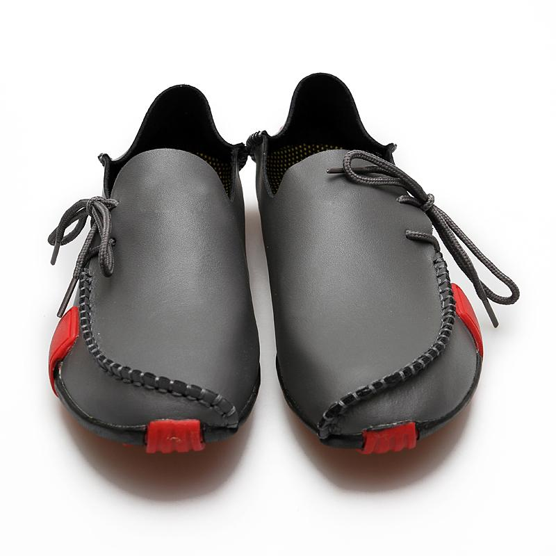 2019 Nuevos mocasines de cuero para hombre Zapatos de moda Mocasines hechos a mano Resbalón de cuero suave en el zapato del barco de los hombres MÁS TAMAÑO 38 ~ 47