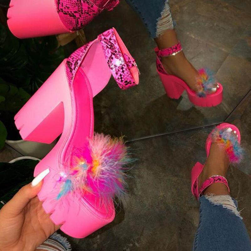 Обувь сексуальный вечернее высокий каблук сандалии меха женская 2020 стриптизерша каблуки Туфли на платформе пушистый ночной клуб плюс размер женщина сандалии