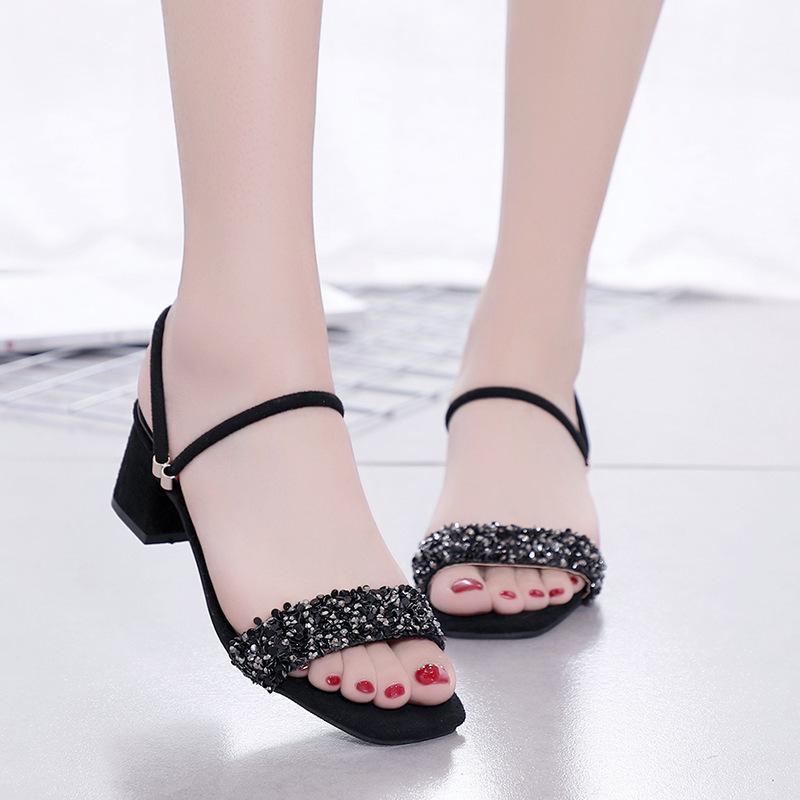 2019 Sandalias de diamantes de imitación de verano Versión coreana de The Open Toe con sandalias de mujer
