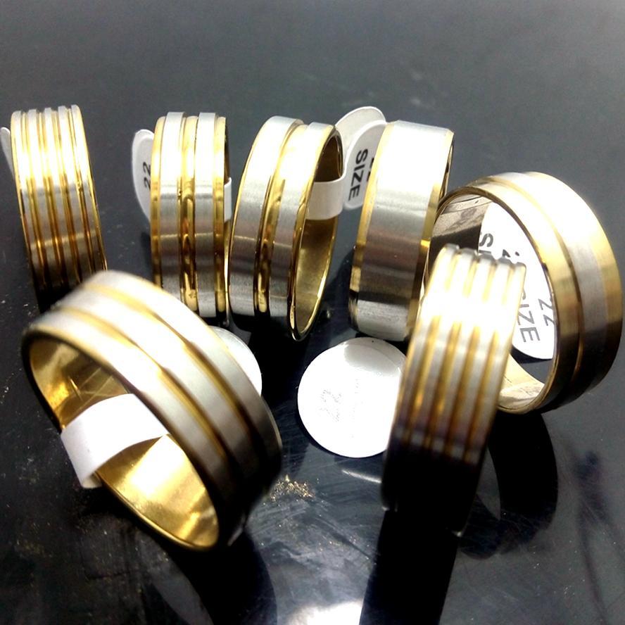 50pcs top oro mix di moda anelli in acciaio inox uomini donne moda banda anelli all'ingrosso gioielli caldi lotti