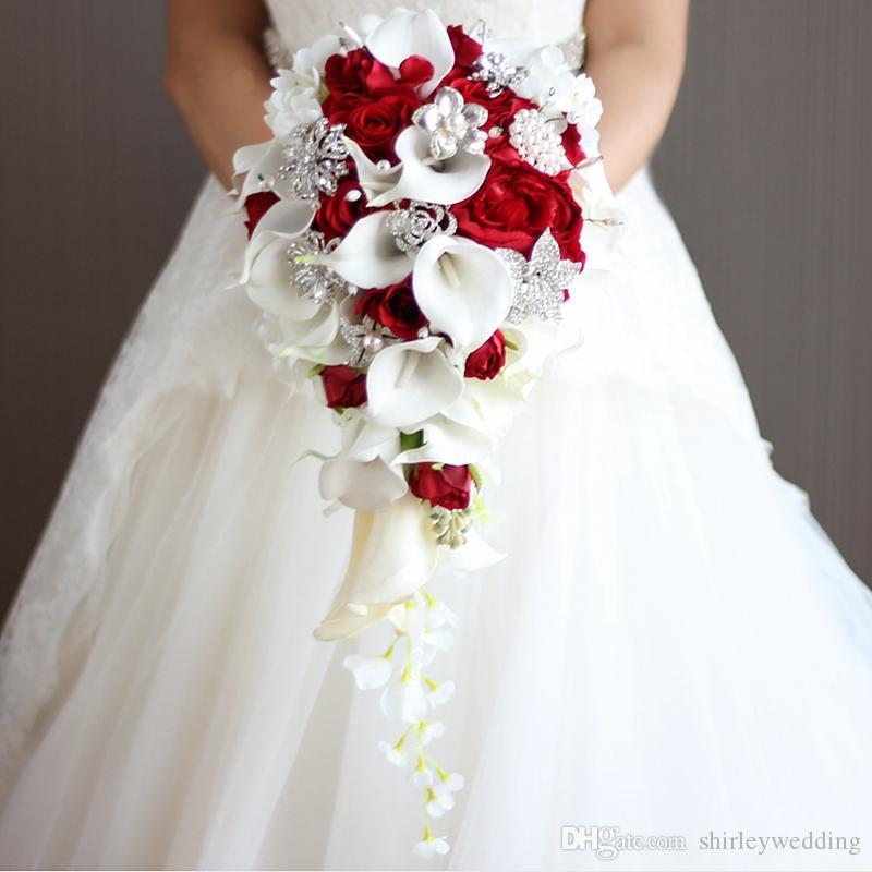 Cayscading Gelin Buketleri Düğün Çiçek Yapay İnciler Ve Rhinestone Beyaz Calla Lilyum Kırmızı Rose de Mariage Dekorasyon