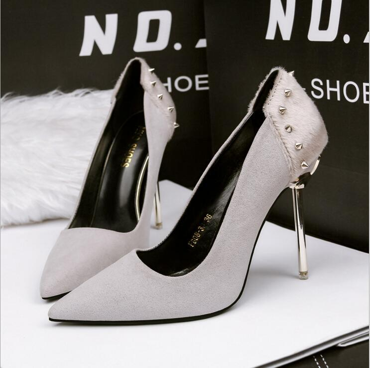 2019 Fashion Luxury Designer Women Shoes Stiletto High Heels Office Career ACE 10cm Nude Rivet Pointed Toe Pumps Party Dress Shoes Sandals