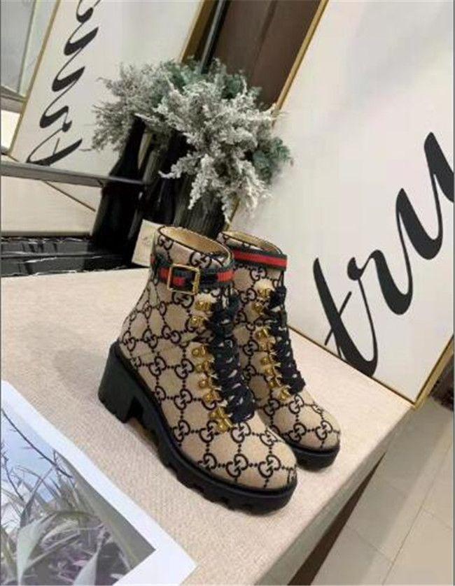 النساء السود مارتن الأحذية الخريف الشتاء جديدة فائقة أحذية عالية الكعب جولة كعب القدمين مكتنزة مشبك الأحذية قصيرة أنبوب المرأة