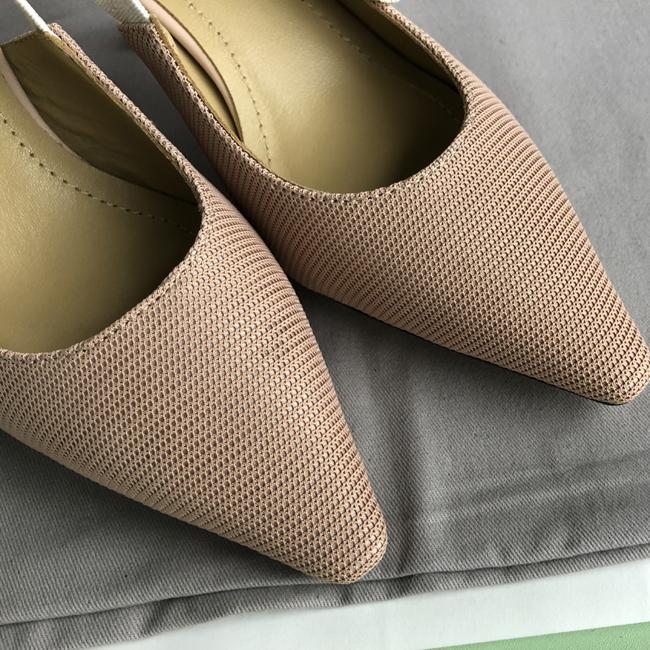 Hot Sale-Mulheres pista de decolagem do dedo do pé Pointed salto baixo sapatos de mulher Gladiaor Sandals Senhora Brand Design malha plana Shoes 9.5CM