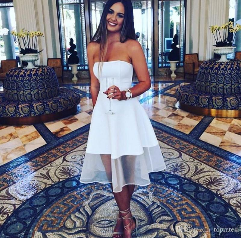 Elegant Simple White 2020 Cocktail Party Dresses A-Line Strapless joelho da dama de cetim Vestidos Prom vestidos baratos Zipper Voltar