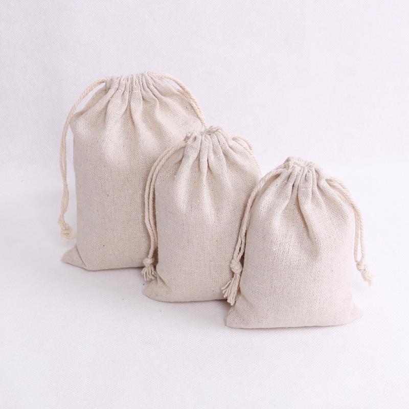 100 개 / 몫 자연 컬러 코튼 가방 작은 파티 호의 린넨 졸라 선물 가방 모슬린 파우치 팔찌 보석 포장 가방