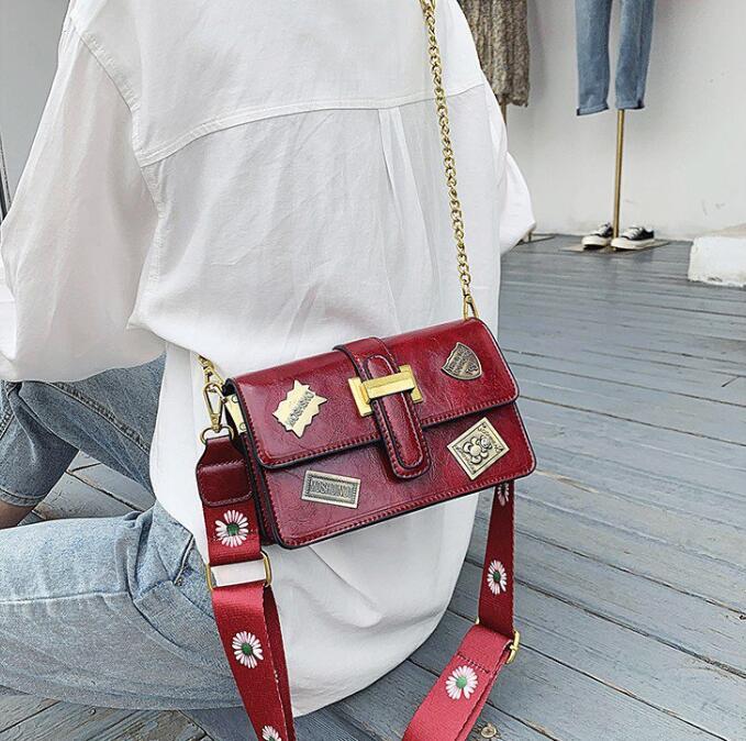 Crossbody Bag Two Shoulder Straps pequena aba Cadeia Shoulder Bags Senhoras bolsas Top Quality PH-RG2061843