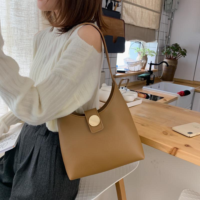 2020 neue Schulterbeutel-Frauen beiläufige Art und Weise koreanische Version des Großraum-Damen einfach