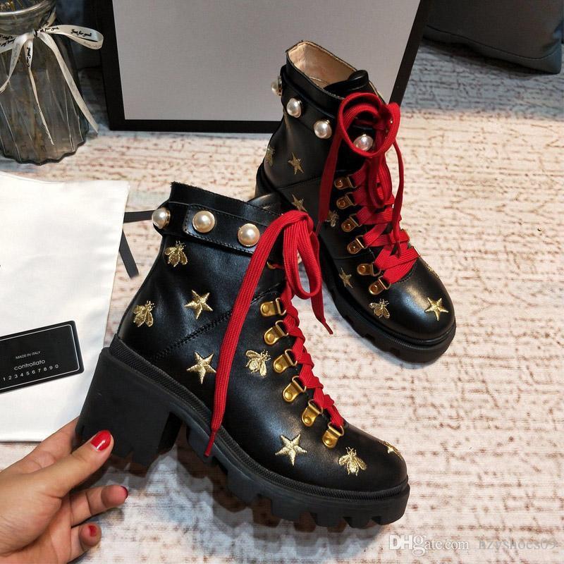 Neue Ankunfts-Marken-Frauen Stiefel Luxuxentwerfer Sexy starke Ferse Wüsten-Plattform-Boot-Bee-Sterne-echtes Leder-Winter-Schuhe a9