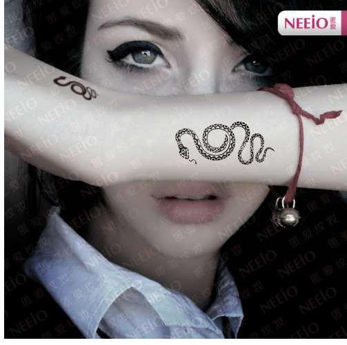 Nouveau top mode autocollants de tatouage temporaires personnalité serpent main / autocollant de poignet Multigraph étanche