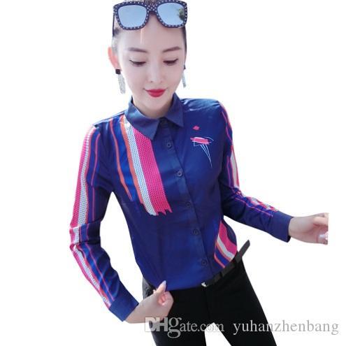 O botão luxuoso de cetim de seda Runway azul camiseta de manga longa Mulheres lapela pescoço impresso Ladies Blusa Plus Size Escritório Designer shirt Tops